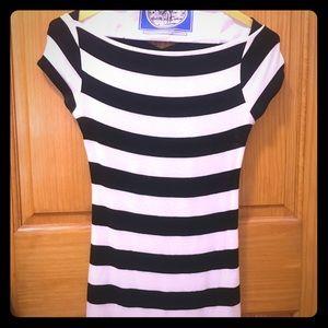 Bailey 44 black & white striped top w/ woven back